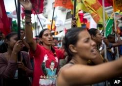 """Pristalice vlade marširaju tokom """"antiimperijalističkog"""" mitinga u Karakasu, Venecuela, 30. marta 2019."""