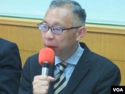 师范大学政治研究所教授范世平(美国之音张永泰拍摄)