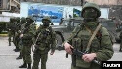 Tổng thống Putin đã ra lệnh cho hàng chục ngàn binh sĩ đang tập trận tại miền tây nước Nga, gần biên giới Ukraina trở về căn cứ.