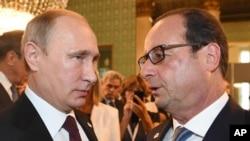 Владимир Путин и Франсуа Олланд. (Архивное фото)