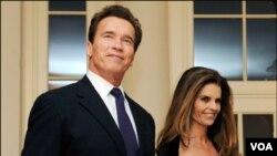 Mantan Gubernur California Arnold Schwarzenegger dan Maria Shriver (foto: dok.).