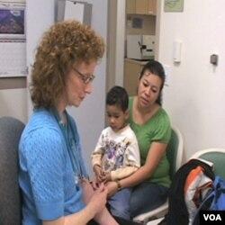 Bolničari praktikanti u Americi obavezno moraju magistrirati u oblasti zdravstva da bi obavljali taj posao