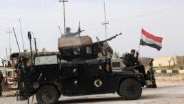 Irak, ISIS sulmon trupat qeveritare