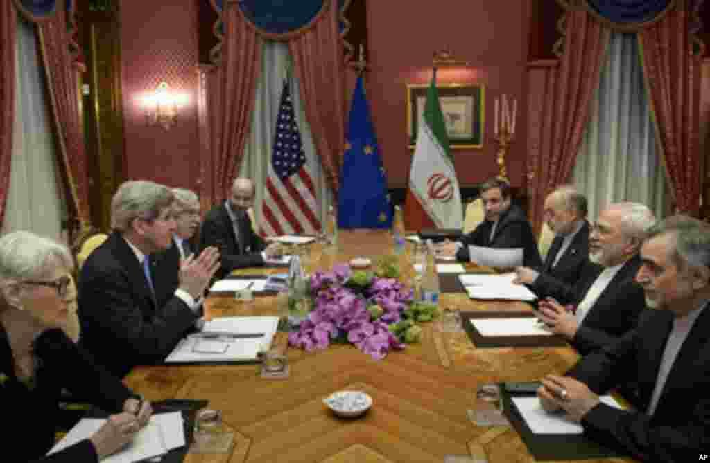 ایران کے جوہری پروگرام سے متعلق معاہدے کے حتمی خدوخال کے لیے سوئیٹزرلینڈ میں جاری مذاکرات ایک اہم موڑ پر ہیں۔