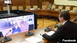 Video-konferencija predsednika Srbije Aleksandra Vučića i nemačke kancelarke Angele Merkel, tokom pandemije koronavirusa, u Beogradu, 18. marta 2020. (Foto: Fejsbuk stranica predsednika Srbije)