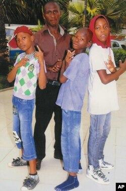 Um pai para crianças de rua