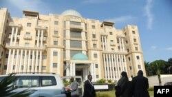 Une vue générale montre la Cour constitutionnelle de Libreville le 22 septembre 2016.