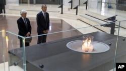 美國總統奧巴馬4月23號在大屠殺博物館紀念猶太人遭大屠殺的日子