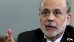 """Ben Bernanke, presidente de la FED, consideró que la economía se expande aunque a paso """"moderado""""."""