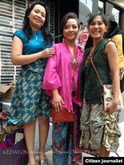 Rina (kiri) Kusumo Putri Anglingkusumo (tengah) dan Vey Miller (Kanan), tim sukses Kedaton di Florida
