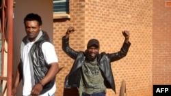 Le musicien zambien Chama Fumba, connu sous le nom de Pilato, devant le tribunal de première instance de Lusaka, en Zambie, le 21 mai 2018.
