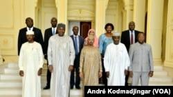 Les membres du comité ad hoc qui a sélectionné les dossiers des membres du CNT, le 26 septembre 2021.