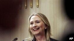 Menlu AS Hillary Clinton melanjutkan lawatan ke Israel setelah mengunjungi Mesir (foto: dok).