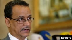 L'envoyé des Nations unies pour le Yémen, Ismail Ould Cheikh avant son départ de Sanaa, au Yémen, le 7 novembre 2016.