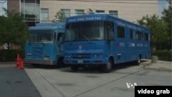 Chiếc xe van xanh của các nha sĩ lưu động