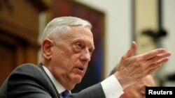 美國國防部長馬蒂斯4月12日在眾議院軍事委員會為2019年的國防預算辯護。