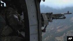 د افغانستان په ختیځ کې د ناټو هلیکوبتره رالویدلې