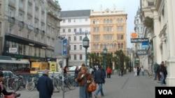 Warga kota Wina di Austria menikmati kualitas kehidupan paling tinggi, menurut survei Mercer tahun 2011.