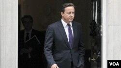 El primer ministro británico David Cameron siguió la evolución de la situación desde su oficina en Downing Street, en Londres.