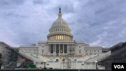 为川普总统就职大典搭起台子的国会大厦。