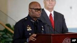 دیوید براون رییس پلیس شهر دالاس