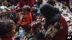 """ONU predice una """"vasta"""" emergencia humanitaria. Hasta la fecha más de 3.4 millones de personas han debido abandonar sus hogares debido al conflicto."""