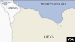 Na brodu je bilo oko 90 migranata, navelo je Ministarstvo i dodalo da su preživjeli prebačeni na naftnu platformu Miskar na jugu Tunisa.