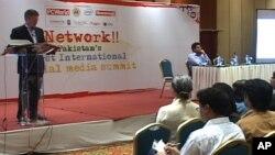 پاکستان کے بلاگرز پہلی بار ایک ساتھ