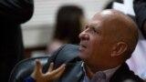 """Hugo """"el Pollo"""" Carvaja habla en la Asamblea Nacional de Venezuela, en Caracas, el 20 de enero de 2016."""