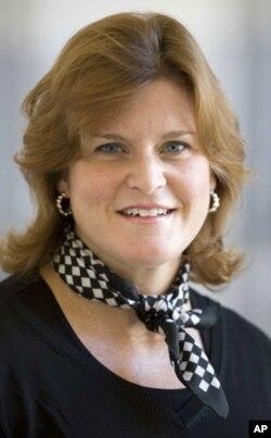 Steysi Klosson, Kentukki universiteri professori