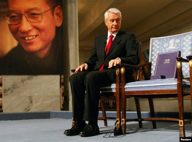 在向劉曉波授予諾貝爾和平獎的頒獎典禮上,挪威諾貝爾委員會主席亞格蘭身旁的空椅子本應是諾貝爾和平獎得主劉曉波的座位。 (2010年12月10日)
