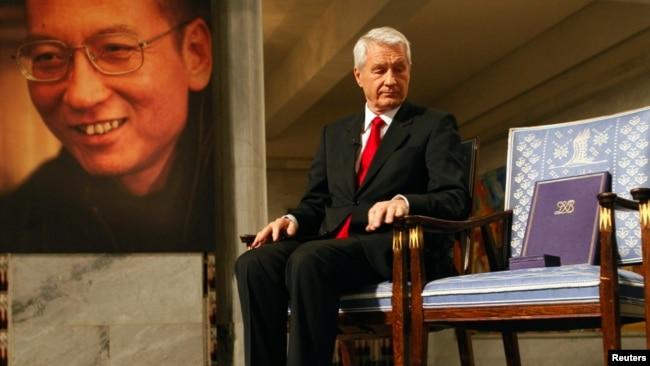 刘晓波被授予2010年诺贝尔和平奖,中国当局禁止他本人和家人前往奥斯陆领奖。