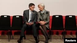 На фото : Мінстр фінансів США Джек Лью та директор МВФ Крістін Лаґард.