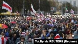Aksi massa menentang Presiden Alexander Lukashenko berlanjut di Minsk, Belarus hari Minggu (27/9).