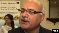 Menteri Informasi provinsi Khyber Pakhtunkhwa, Mian Iftikhar Hussain. (Foto: VOA)