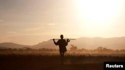Un des éleveurs nomades à la frontière entre l'Ethiopie et le Soudan du Sud, le 14 octobre 2013.