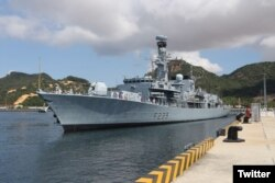 Tàu HMS Richmond tại cảng Cam Ranh. Photo Twitter UK in Vietnam.