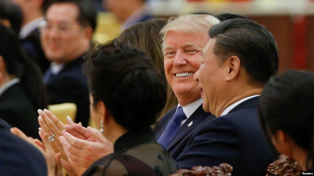 Tổng thống Donald Trump và Chủ tịch Trung Quốc Tập Cận Bình trong quốc yến dành cho nguyên thủ Mỹ hôm 9/11/2017.