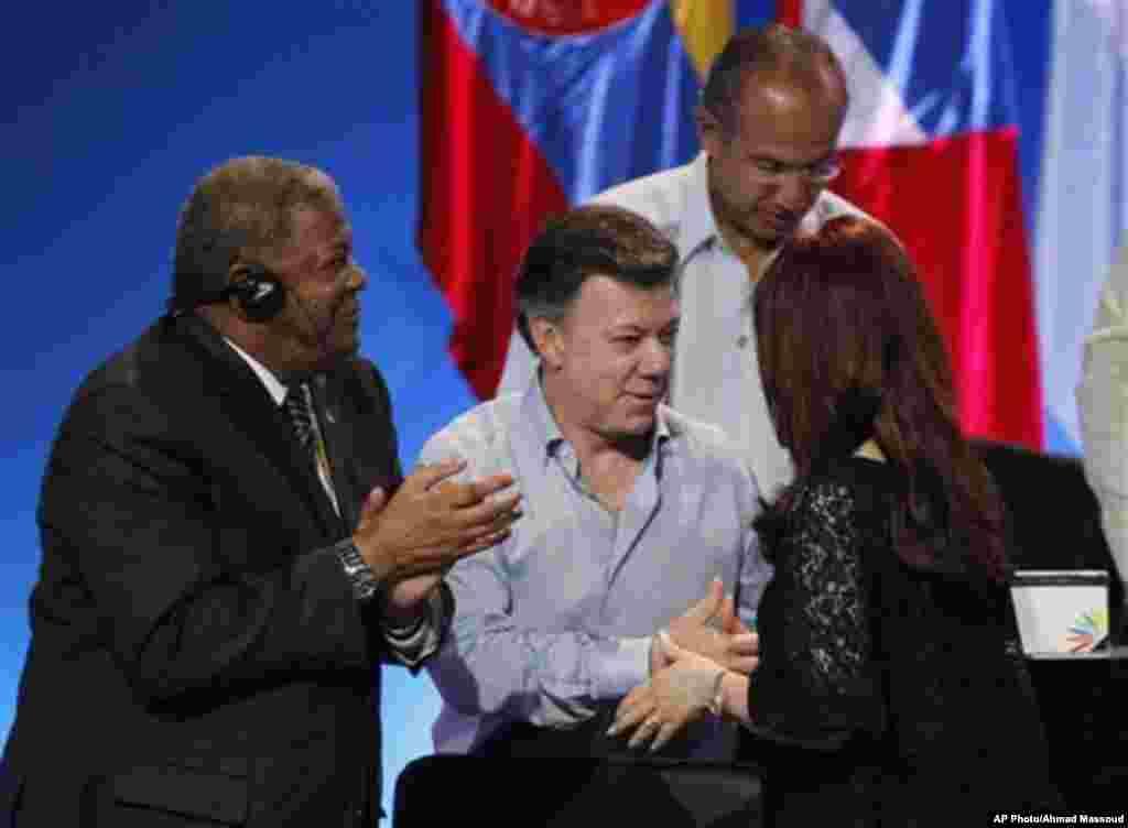 """Por ser el """"primer presidente en América Latina en dar la bienvenida a una conversación sobre la legalización de las drogas"""", el presidente de Colombia, Juan Manuel Santos entra a la lista."""