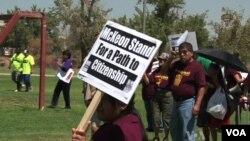 Los partidarios de la reforma de inmigración realizaron manifestaciones a gran escala para presionar a los legisladores.