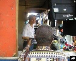 Un commerçant chinois au Sénégal