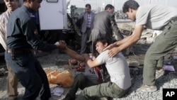 지난달 아프가니스탄 카불에서 발생한 버스 폭탄 테러 현장. (자료사진)