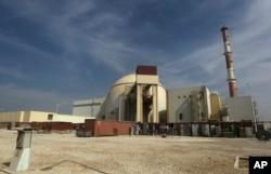 Nhà máy điện hạt nhân Bushehr bên ngoài thành phố Bushehr, Iran.