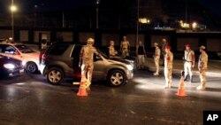 Контролен пункт на египетската армија во Каиро