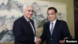 5月10日中國總理李克強在中南海會見印度外長庫爾希德