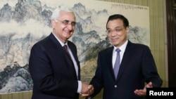 中國總理李克強5月10日在北京接見到訪的印度外交部長薩爾曼卡蘇