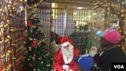 UFather Christmas Labantwana
