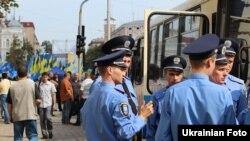 Київ зустрів День Незалежності партійними прапорами