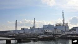 受损严重的福岛核电站