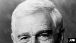 Cựu thượng nghị sĩ Hoa Kỳ Mark Hatfield
